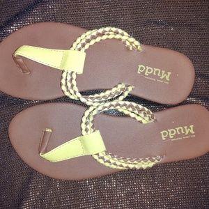 Mudd sandals